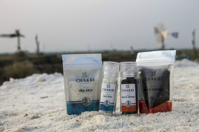 Chakri Originals cooperates with Indian farmers to serve you premium quality products straight from the origin.